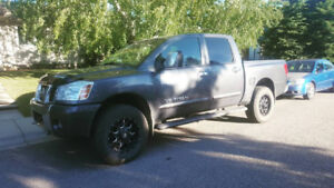 2005 Nissan Titan LE Crew Cab 4X4 Tow Package