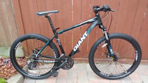 Like New and Perfect condition GIANT ATX 27.5 Mountain Bike