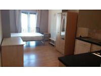 *ALL BILLS INCLUDED* STUDIO APARTMENT IN UB10 GOING FOR £825 PCM EXCELLENT CONDITION! VIEW IT ASAP