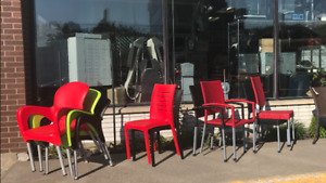 CHAISES- TERRASSE -PATIO - CHAIRS— TABLES — ,