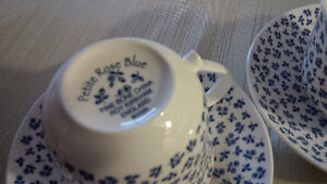 New 2 Blue Rose Cups + 6 Plates - for sale ! Kitchener / Waterloo Kitchener Area image 5