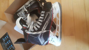 Boys bauer  X500 hockey skates size 6.5 with box n receipt