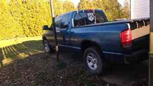 Parting out 3  Dodge ram 4x4 trucks all parts available
