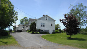 House For Sale on Gaspereau Mountain With Country Living