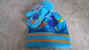 Finding Dory Hat and Mitts set