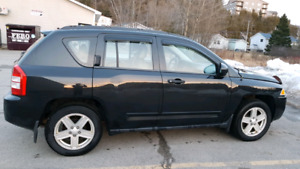 Jeep Compass 2009 4WD 2.4 L Sport 150000kms