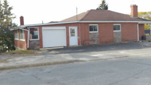 Must see renovated 3 bed apt. $1650 inclusive. 705-988-2575