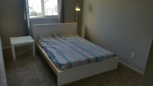 bedroom set (double bed, slats, frame, table, lamp)