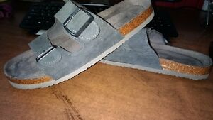 Mens gray sandals size 10
