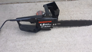 REMINGTON ELECTRIC CHAINSAW AS NEW