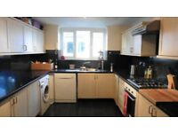 ROOM FOR ONE PERSON - AVAILABLE FROM NOW **OVAL** - ZONE 2 - NORTHERN LINE