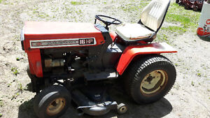MTD 16 HP HYDROSTATIC GARDEN TRACTOR With 4 ATTACHMENTS
