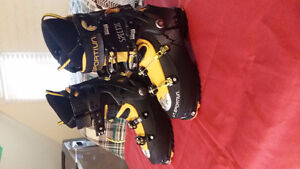 La Sportiva:Spectre Back Country Touring / Downhill Boots Kitchener / Waterloo Kitchener Area image 3