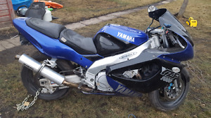1998 yamaha yzf 1000 .great shape great bike