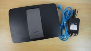 Linksys EA6400 AC1300 Mbps Router