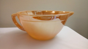 Fire King Peach Lustre 4 cup Mixing Bowl