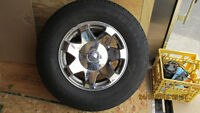 CADILLAC ESCALADE CHROME RIMS & MICHILIN 265/70R17 LTX TIRES