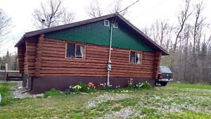 4 BEDROOM,2 BATHROOM 1350 SQ FT LOG HOME+1550 ACRES+CABIN+CREEK