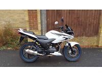 Honda CBF 125cc 2013 model - 9k mileage - Immaculate condition - not Yamaha 50cc suzuki vespa