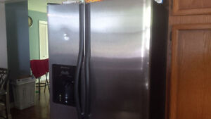 Stove/washer and dryer/ Double door fridge with ice maker