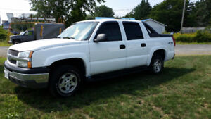 2004 Chevrolet Avalanche Pickup Truck 4X4 REDUCED!!!