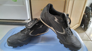 Men's Baseball shoes sz 11