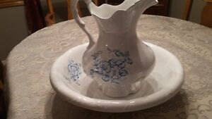 Antique Pitcher and Bowl Set London Ontario image 8