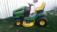 """John Deere LA135 hyd tractor w/ 42"""" deck LIKE NEW!!"""