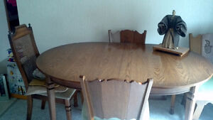Kitchen Table & 4 Chairs Sale !!!!!!!!!!!!