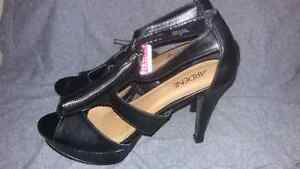 Ladies shoes size 9 St. John's Newfoundland image 4