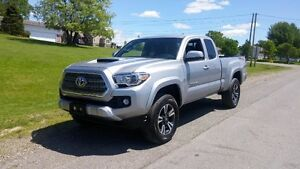 2016 Toyota Tacoma TRD Sport Pickup Truck- FULLY LOADED!