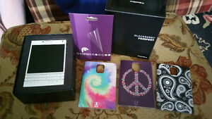 WHITE Blackberry Passport SQW100-1 New & Accessories