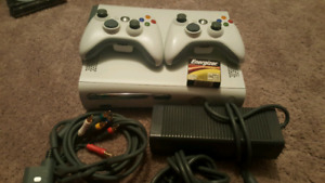 Xbox 360 Bundle - 2 controllers and 5 games