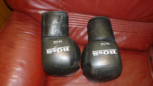 BOES 16 OZ. TRAINING GLOVES