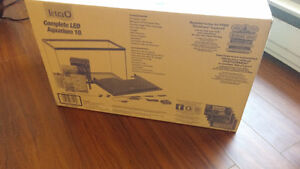 Brand new never been opened 10 gallon comes with everything London Ontario image 2