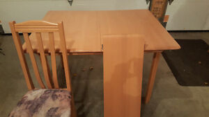 Solid wood table with sleeve and 4 chairs