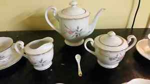 Tea set London Ontario image 2