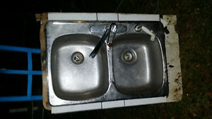 Stainless steel double sink with working 1 handle faucet