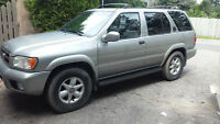 2000 Nissan Pathfinder leather SUV, Crossover