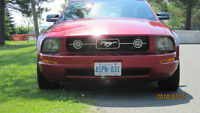 2005 Ford Mustang V-6 Pony Coupe (2 door)