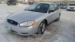 2006 Ford Taurus SE moving must go Sedan
