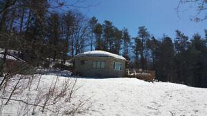 1000 sq ft cottage on large acreage for rent, Gravenhurst