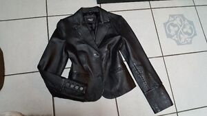 Size Small womans leather blazer