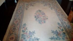 100 % hand made wool area rug