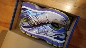 Asics 9.5 Running Shoes NEW