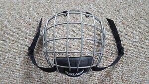 Bauer 2100 Hockey Face Mask.