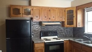 GREAT LOCATION, NW CALGARY, 3BR/2BA home $1650/MTH