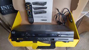 Videotron HD Receiver with controller,user manual and power cord