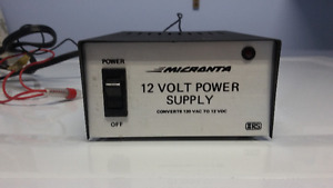 RADIO SHACK REGULATED 12 VOLT POWER SUPPLY CONVERTS 120