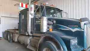 2002 Kenworth T800 Winch Tractor with newer motor & tri trailer